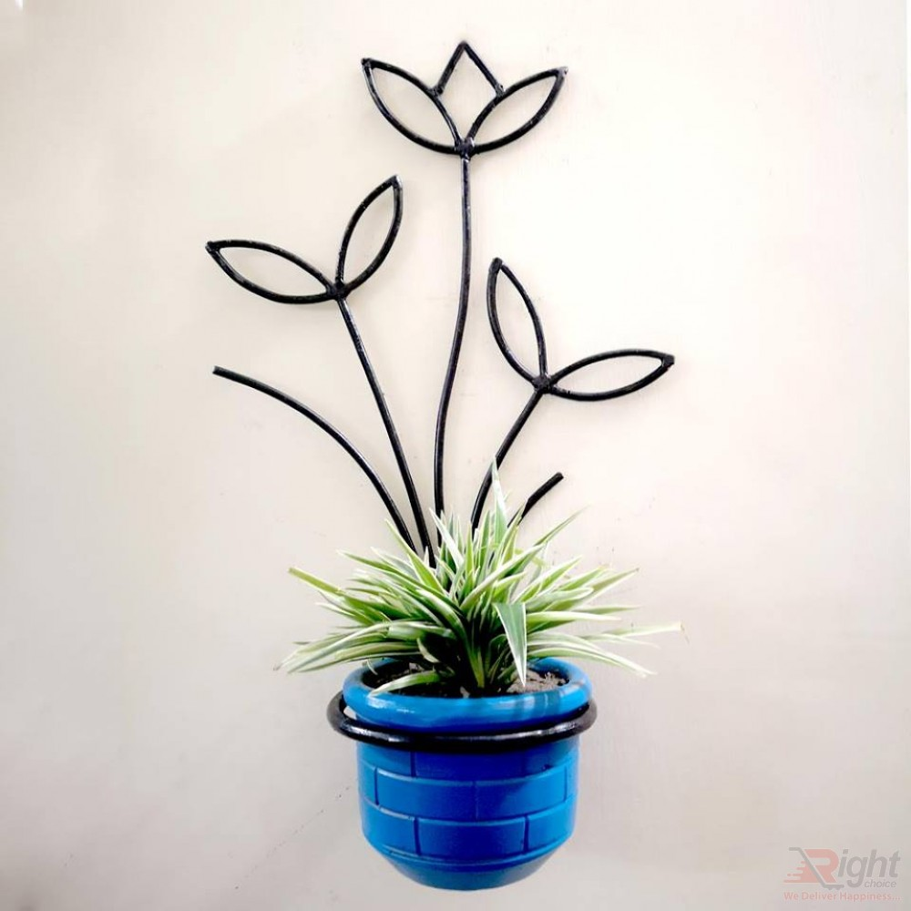 Floral Tob Stand With Spider Plant