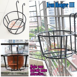 Tob Hanger for grill or balcony