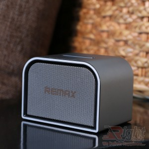 RB-M8 MINI PORTABLE BLUETOOTH SPEAKER